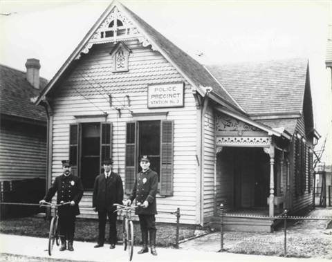 1900 - Police Precinct Station No. 3, 1127 (1113) S. West St.