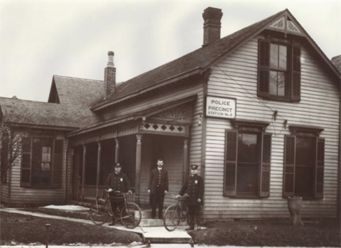 1900 - Police Precinct Station No. 2, 605 W. St. Clair St